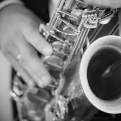 Loveflare-Hochzeitsfotograf-Saxophone
