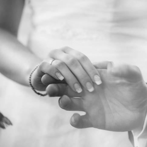 Loveflare-Hochzeitsfotograf-Haende