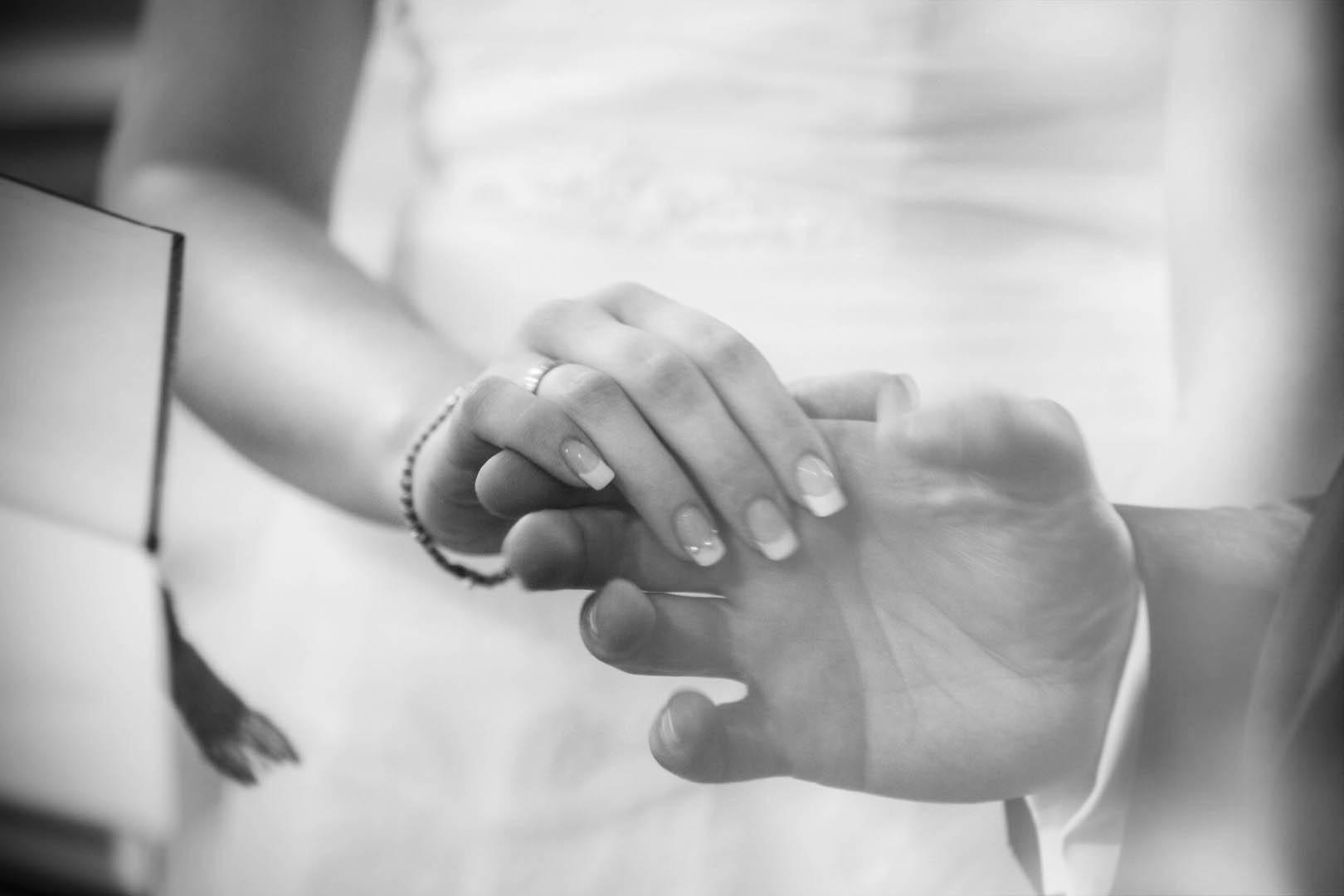 Loveflare-Hochzeitsfoto-Haende